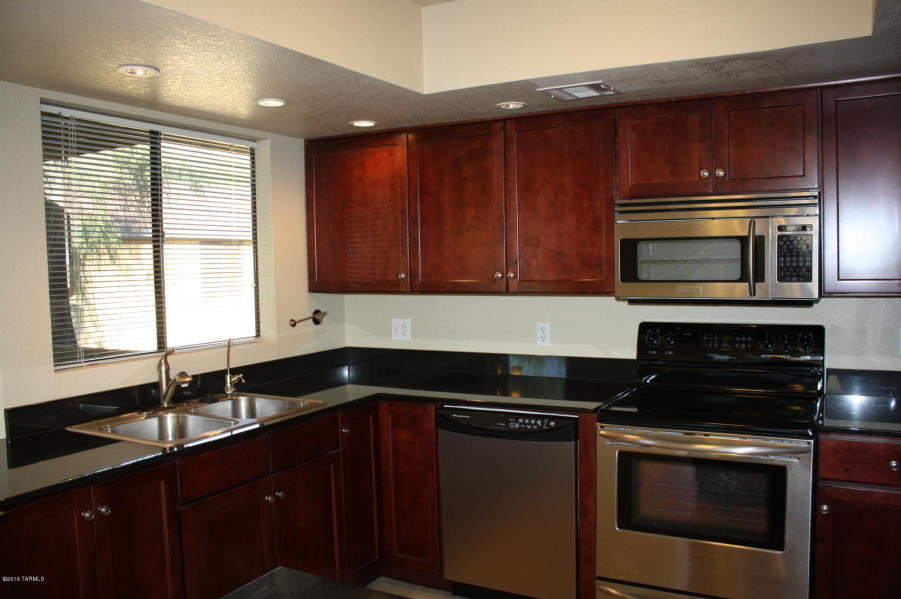 Villas at Sabino Canyon Condo